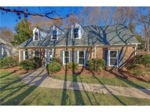 A recently sold home in Candlewyck