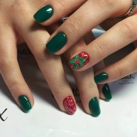 35 Striking Ideas for Christmas Nails Design - All Glamour ...