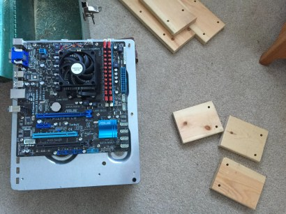 Cutting legs for the DIY PC Test Bench