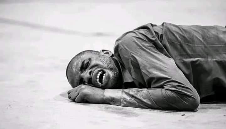 THE REACTION OF A PASTOR WHO WAS SLAPPED BY A 15 YEAR OLD POSSESSED GIRL DURING A DELIVERANCE SESSION