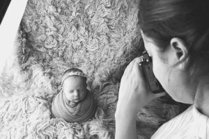 Workshops for photographers for maternity and newborn business and marketing for photographers by Nicoleta Raftu and Carmen Bergmann wraped up baby