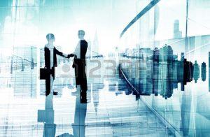 34402958-握手を持つ-2-人のビジネスマンのシルエット