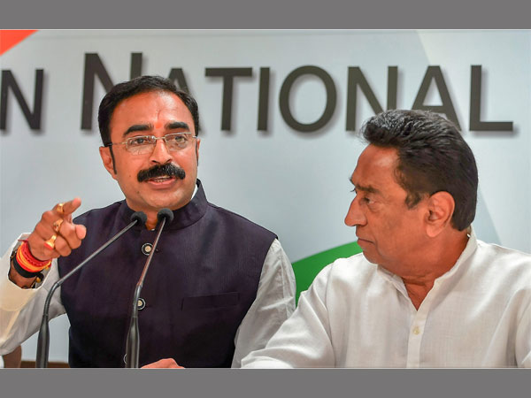 image of cm shivraj singh chouhan's brother in law sanjay singh with pcc chief kamalnath at aicc head office in delhi