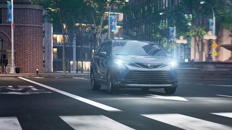 New Toyota Sienna led headlights