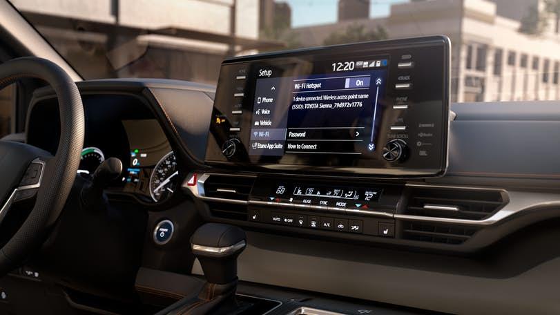 New Toyota Sienna display