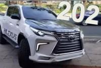 2023 Toyota Hilux Wallpaper