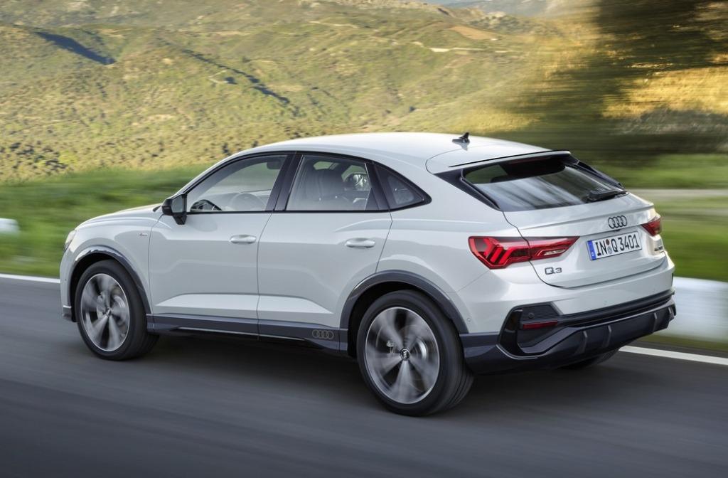 2022 Audi Q3 Pictures