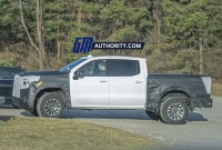 2023 GMC Sierra AT4 Pictures