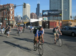 Bike rush hour on Milwaukee,  torn up for repaving / Photo: John Greenfield