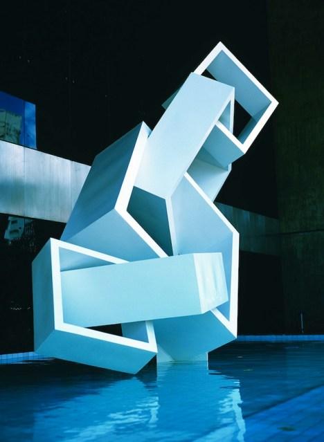08 Sérvulo Esmeraldo public sculpture