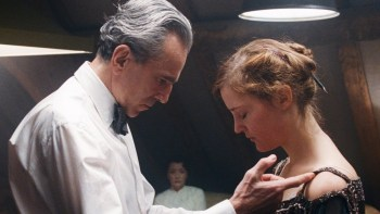 "From A-Line To Eyelines: A Review of ""Phantom Thread"""