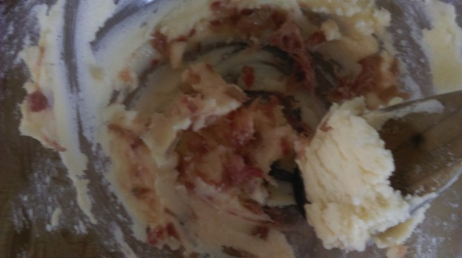 marzipan_rhubarb_cupcake_batter