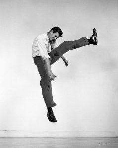 philippe-halsman-jump-book