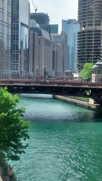 Looking west on south bank of Chicago River & Mich. Ave.