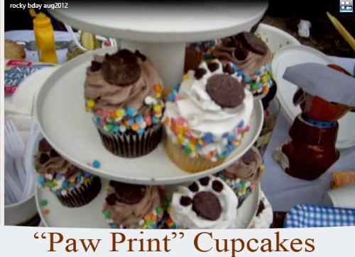 150407 Paw Print Cupcakes 500x