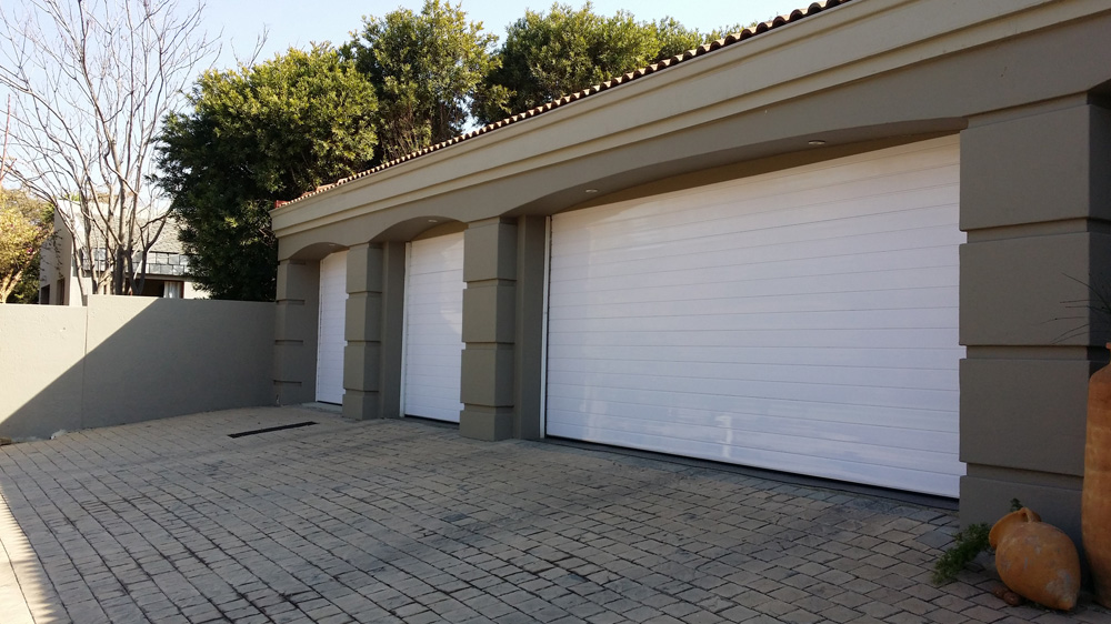 aluminium-white-garage-door