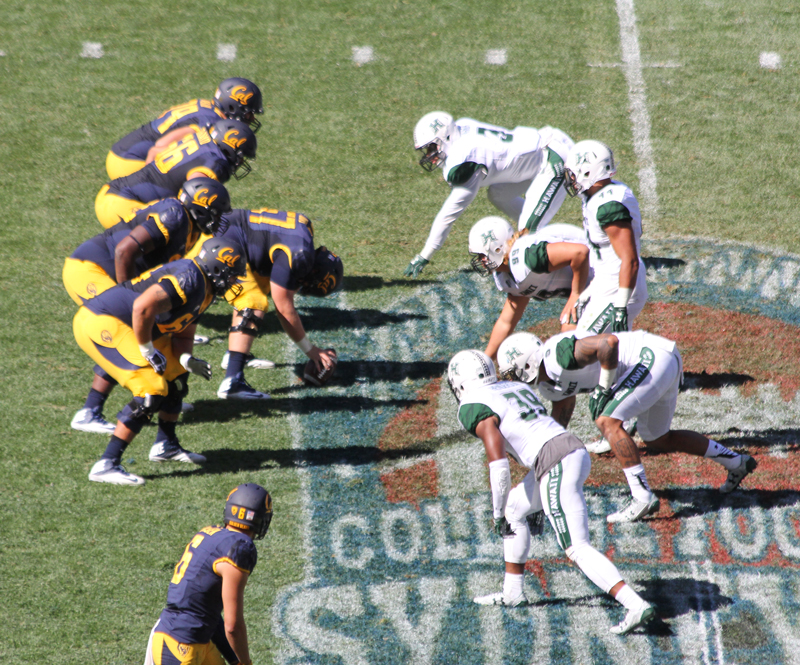 Cal & Hawaii face off during the Sydney Cup game. Photo : Jodie Newell