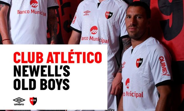 Newell's Old Boys wearing the Umbro Away Shirt
