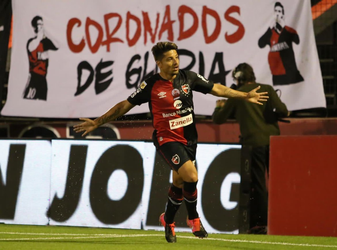 Newell's 3-1 Lanús: late goals finish 10-man Granate