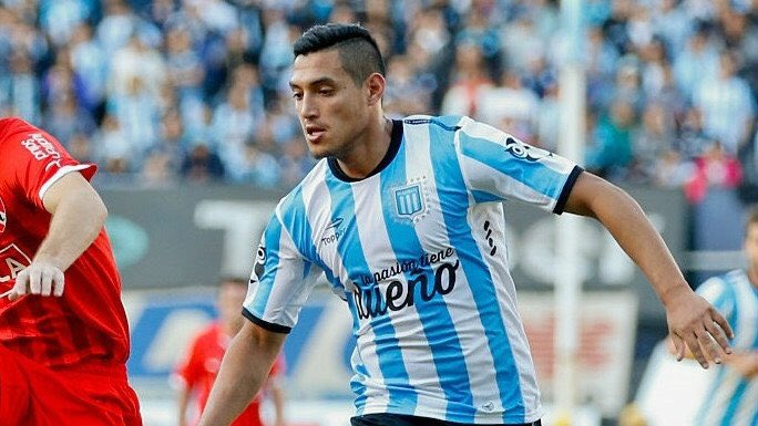 Yonathan Cabral signs for Newell's Old Boys
