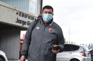 Germán Burgos leaves Newell's Old Boys