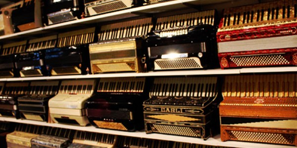 NEW-ENGLAND-ACCORDION-MUSEUM-welcomE-get-involved-SLIDE