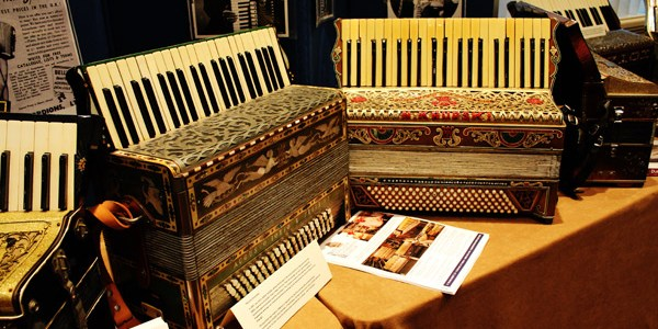New-England-Accordion-Museum-Exhibit-Canaan-CT-AAA-accordion-convention-2014-display-classics-3