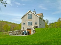 New England Custom Barns