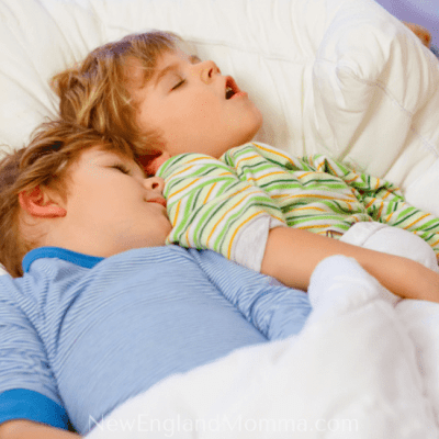 Tips on Getting the Kids to Sleep While Traveling
