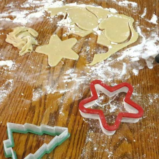 Need some inspiration for what to do for family fun during December? Here are 25 ideas.