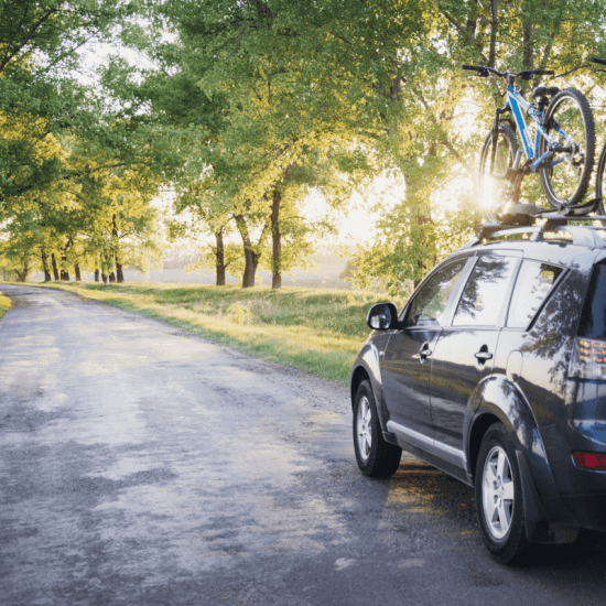 Is there a perfect month to travel for your ultimate road trip? Taking a road trip in the month that works best for you and your family is a great way to bond, have fun and just be together!
