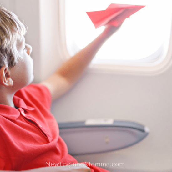 Flying with kids takes some planning to keep them happy and busy while they sit in their seat. Here are over 15 Activity Ideas! #FlyingWithKids #Travelingwithkids