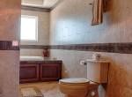 luxury-condo-belize-bathroom4-770x386