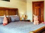 luxury-condo-belize-bedroom-770x386