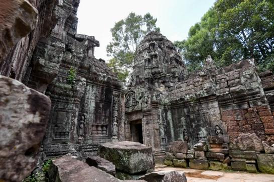 Seuls pour la visite de certains temples à Angkor @neweyes