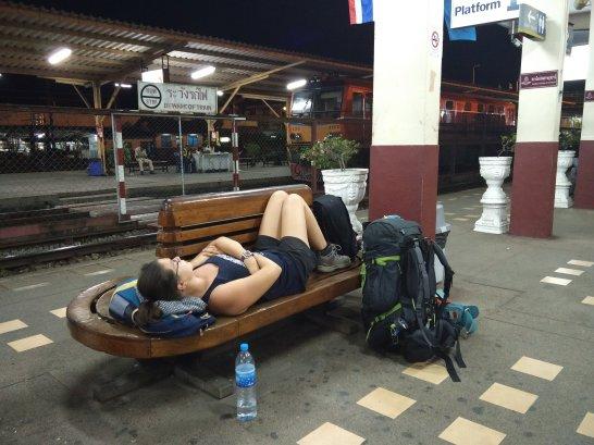 Traverser la frontière entre la Thaïlande et la Malaisie par le train @neweyes