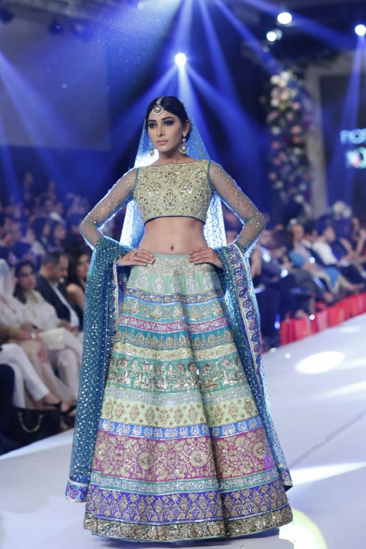 PFDC Loreal Paris Bridal Week 2015 Collection By Nomi
