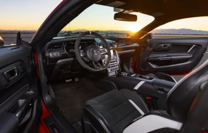 2022 Ford Mustang Shelby GT500 Interior