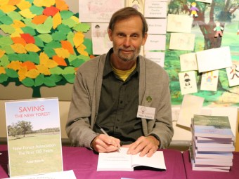 peter-signing-books