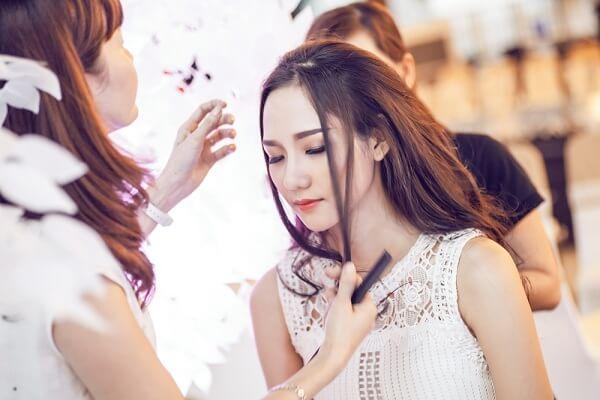 Khóa học trang điểm cô dâu với chuyên nghiệp khác nhau như thế nào?