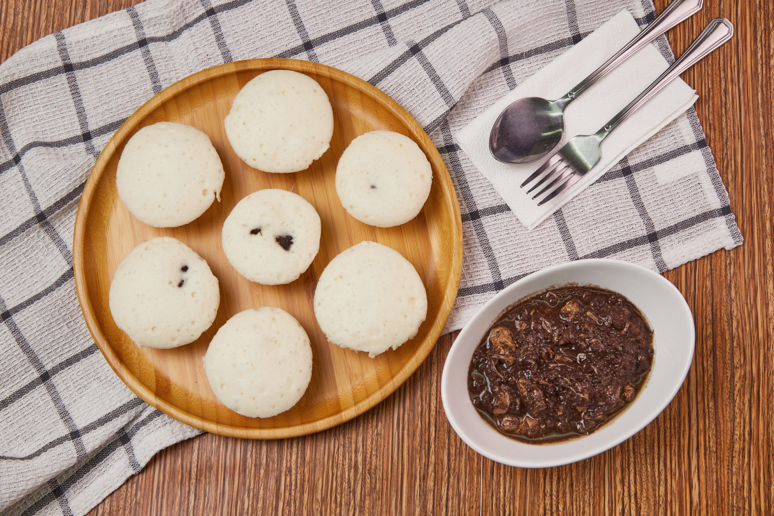Puto Pao With Dinuguan Filling