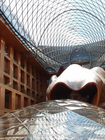 Frank Gehry's foyer in DZ Bank