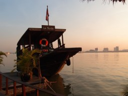 Le Tonlé Sap docked for sunset on the Mekong