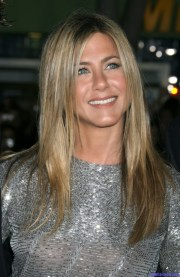 jennifer aniston make