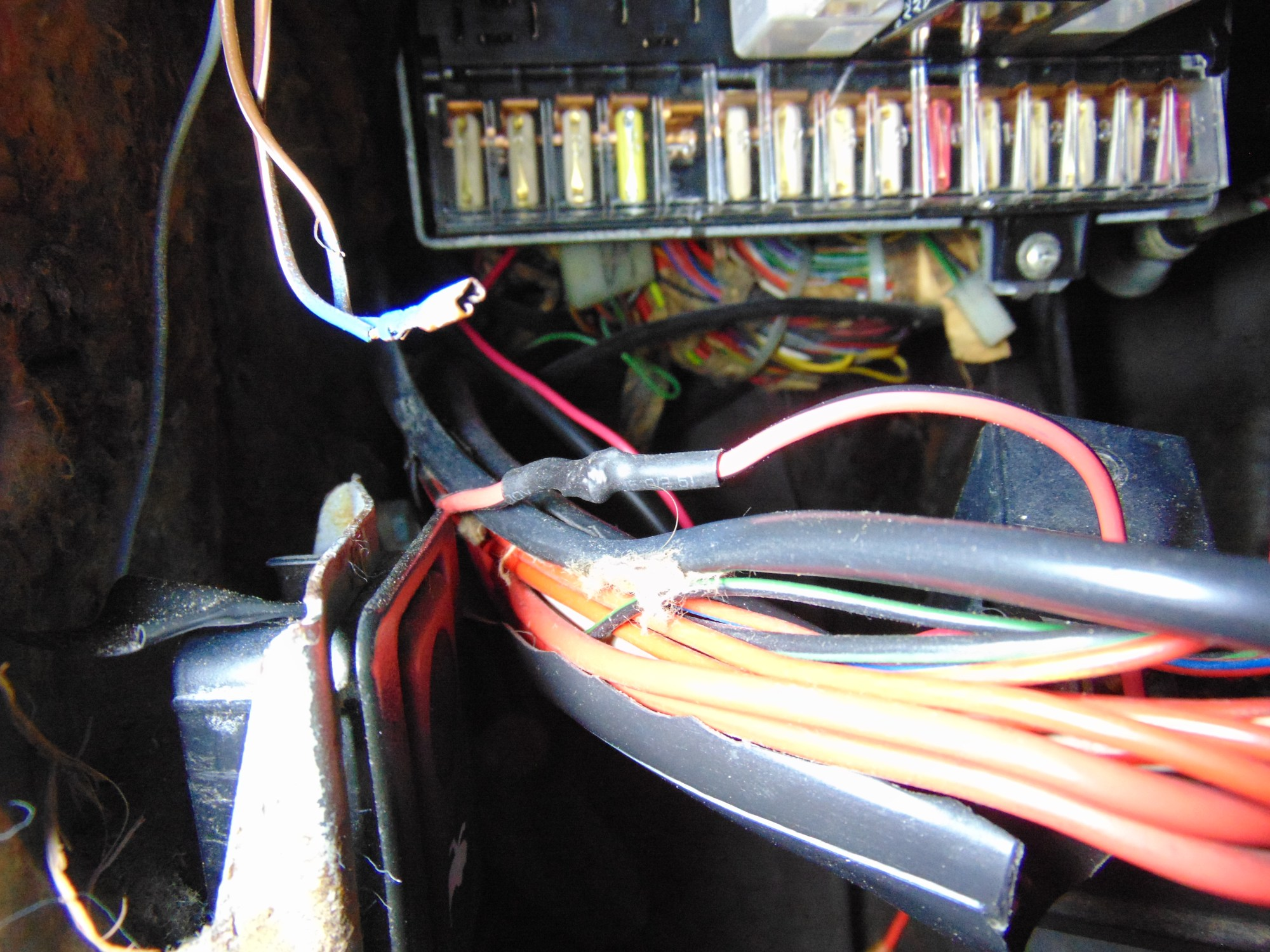 hight resolution of soldered and heat shrink wrapped wiring connection