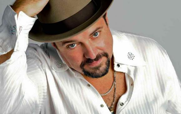 Raul Malo Live at the New Hope Winery (Thursday Show)