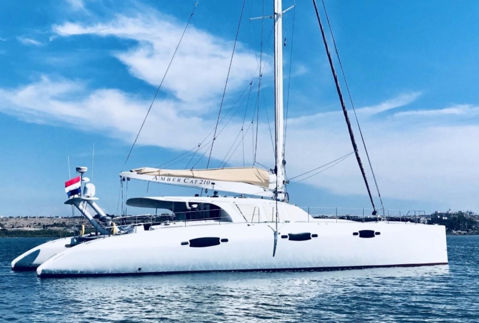 2009 catamaran enmar ambercat 210 [ 1601 x 1080 Pixel ]