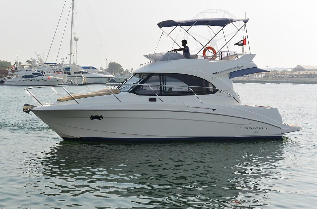 2011 Beneteau ANTARES 30 FLY Motor Yacht Power Boat For Sale