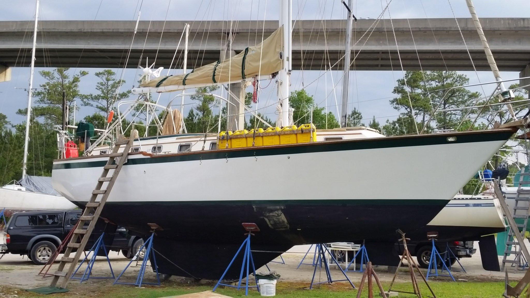 1981 Endeavour Center Cockpit Sloop Sail Boat For Sale