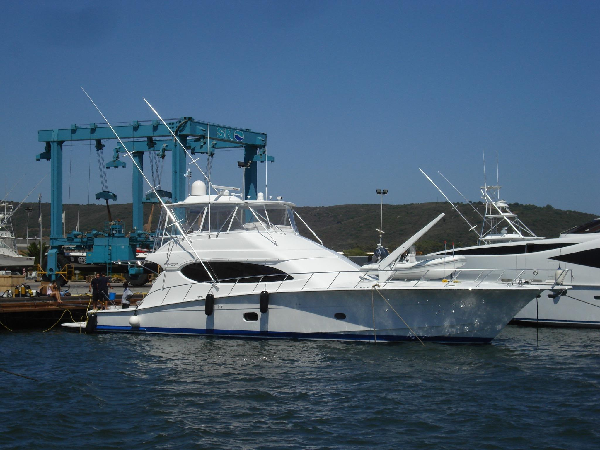 2009 Hatteras 68 Convertible Power Boat For Sale Www